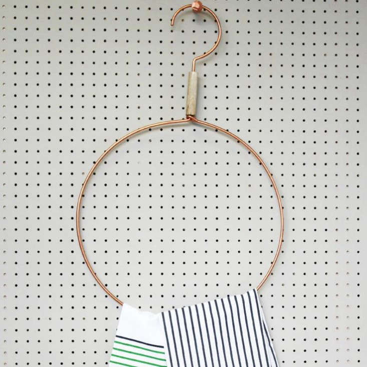 A Copper Round Scarf/Towel Hanger from UK shop Posh Totty.