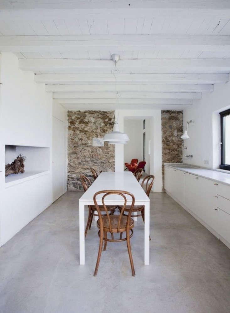 Farmhouse-Restoration-by-A2BC-Architects-and-SibillAssociati-04-753x1024