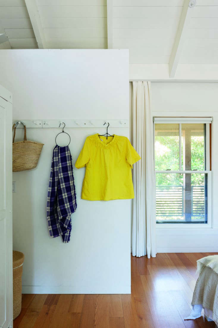 Julie Mill Valley Bedroom Peg Rail