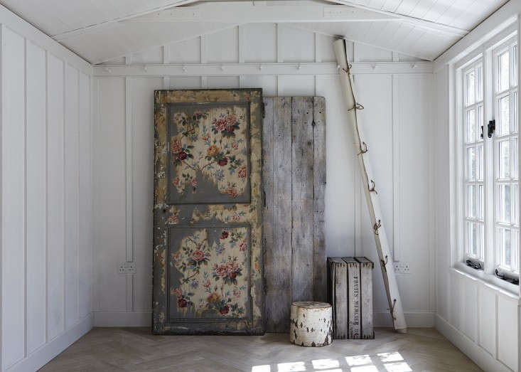 Another of our favorite inspirational spaces: London stylist Twig Hutchinson'sstudio and summerhousewrapped with a bespoke rail of Shaker pegs. Go toRough, Rustic, and Refined with Twig Hutchinson for more. Photograph by Rahel Weiss, courtesy of Twig Hutchinson.