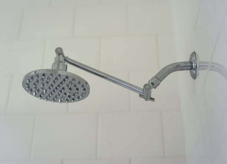 sarah-lonsdale-rental-house-bathroom-shower-head-Remodelista