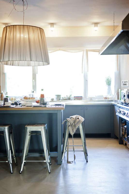 maletesta-maison-blue-kitchen