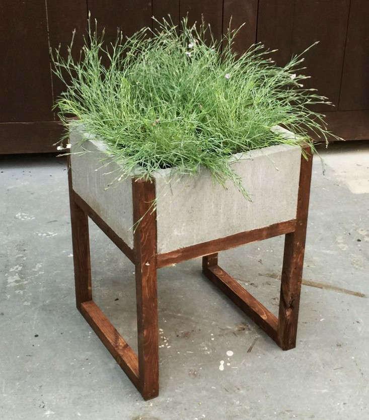 concrete-and-wood-planter-home-depot-gardenista