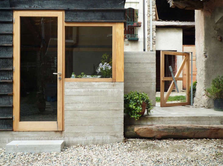 outbuilding-firewood-shed-italy-studioerrante-gardenista-5