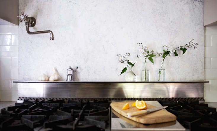 Michelle's marble backsplash is back to its original pristine condition after she applied a poultice to the grease stains. Photograph by Liesa Johannsson for Gardenista, from My Dirty Secret, or How I Learned to Live with a Marble Backsplash for details.