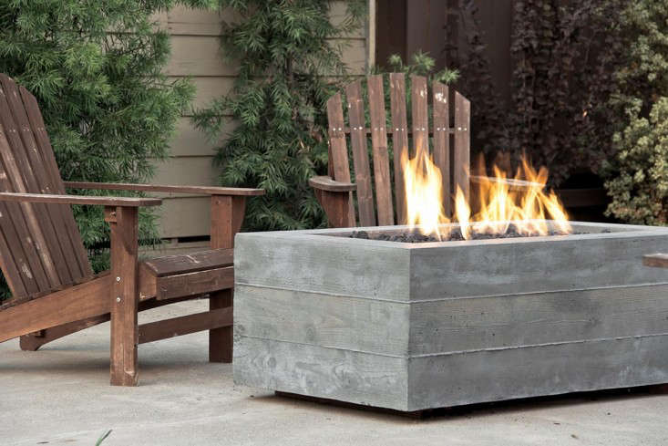 board-formed-poured-concrete-fire-pit