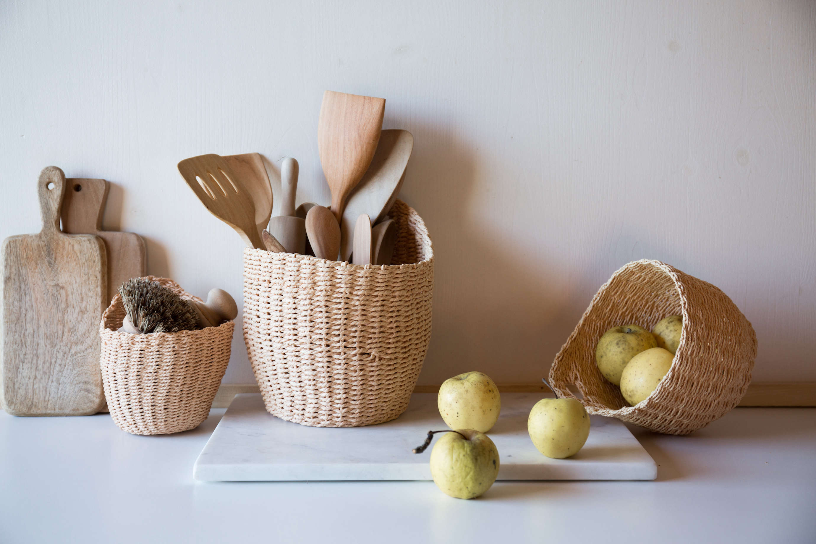 hanging baskets from Le Reperes des Belettes | Remodelista