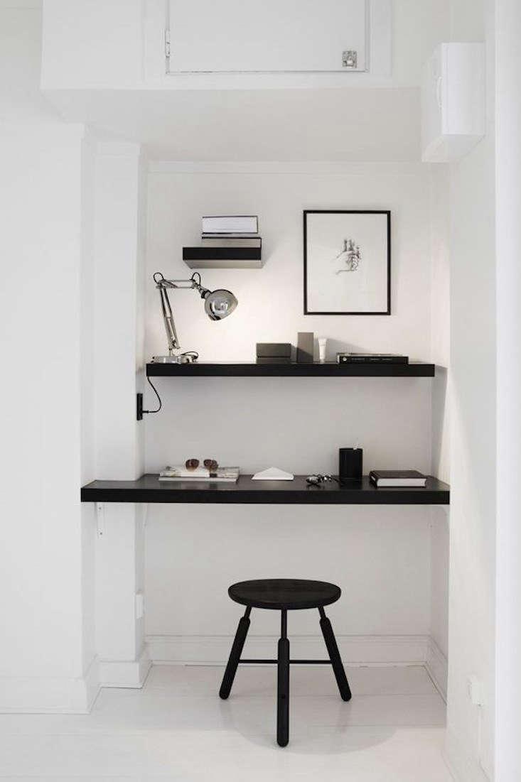 White Niche Dark Desk Niche