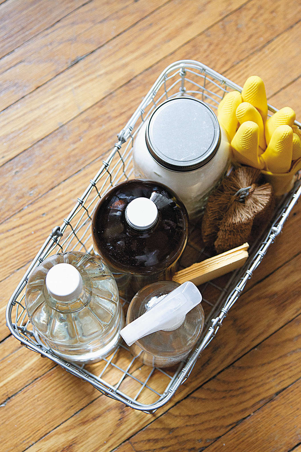 Simple DIY cleaning supplies made from vinegar and baking soda by Erin Boyle from her new book, Simple Matters | Remodelista