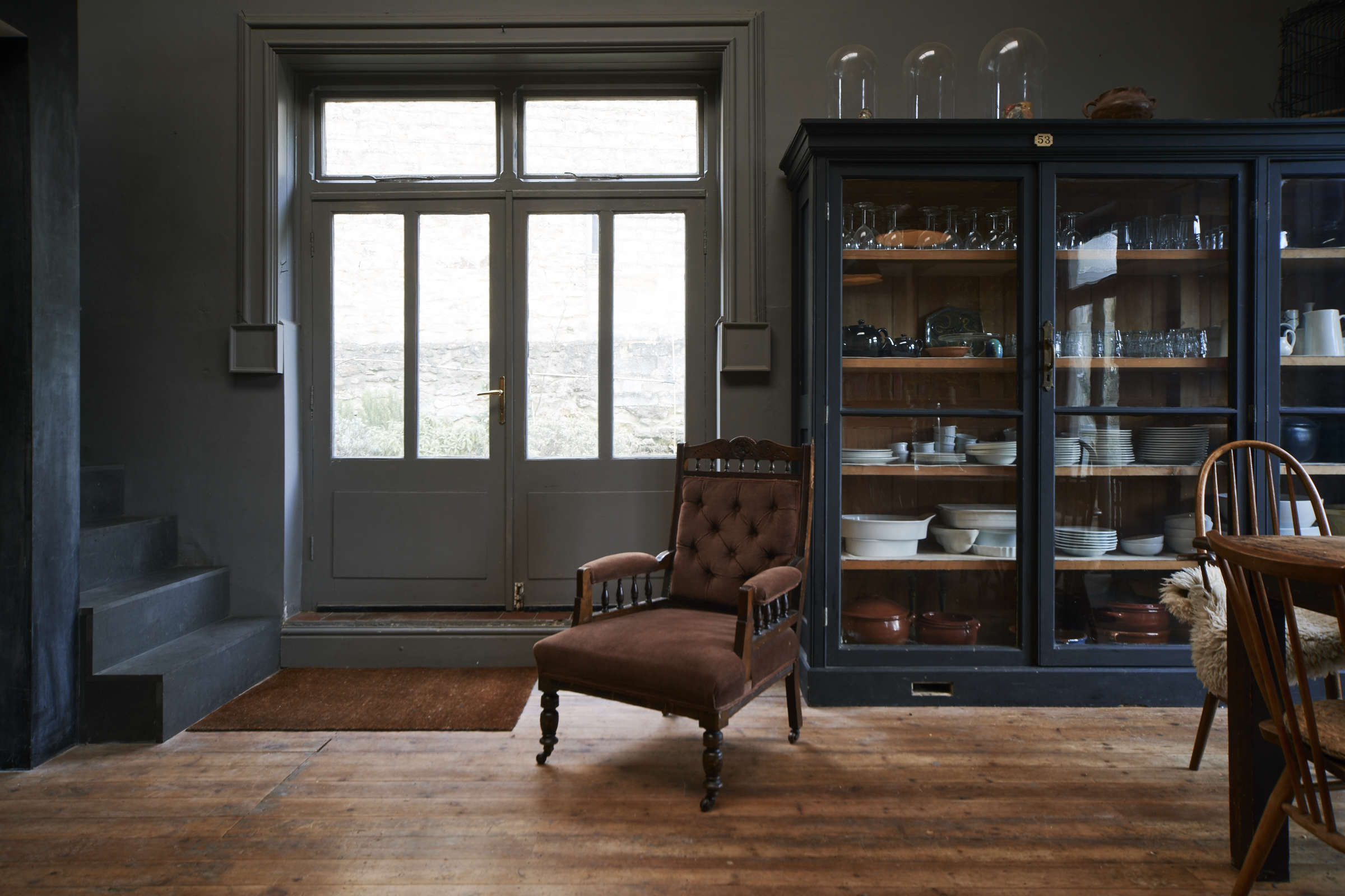 English kitchen/dining room: London theater designer Niki Turner's remodeled kitchen in a former billiard room in a historic house in Gloucestershire | Remodelista
