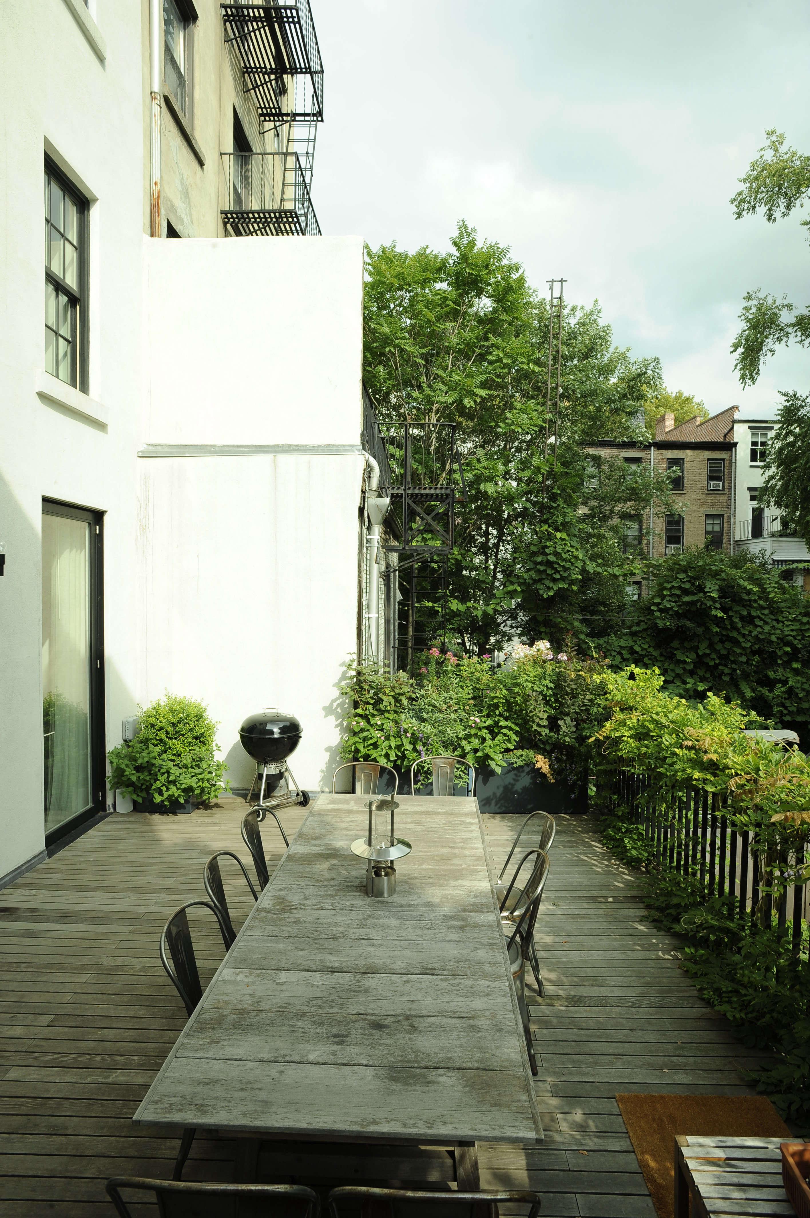 Brooklyn-town-house-remodel-deck-Fernlund-and-Logan-Remodelista