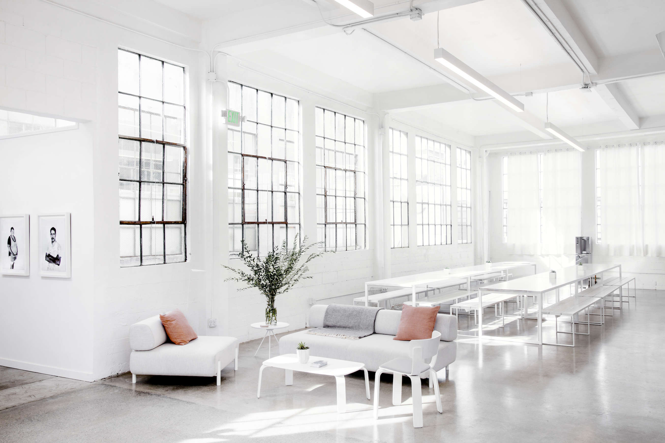 Picnic dining area in Everlane's lofty white office in SF, Carlos Chavarría photo | Remodelista