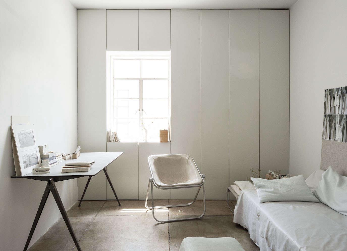 All white guest room in LA by Michaela Scherrer photo by Matthew Williams | Remodelista