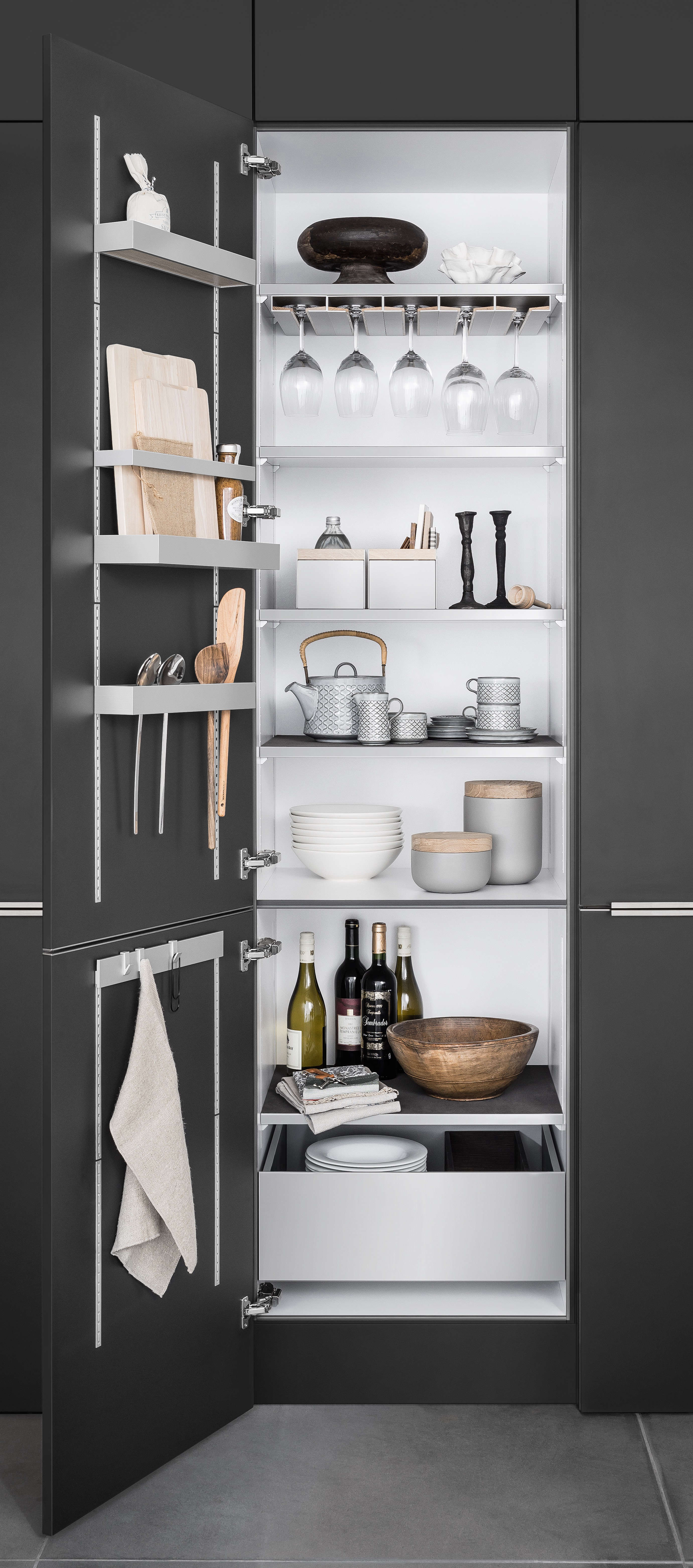 Space-Saving Idea to Steal from a High-End German Kitchen System