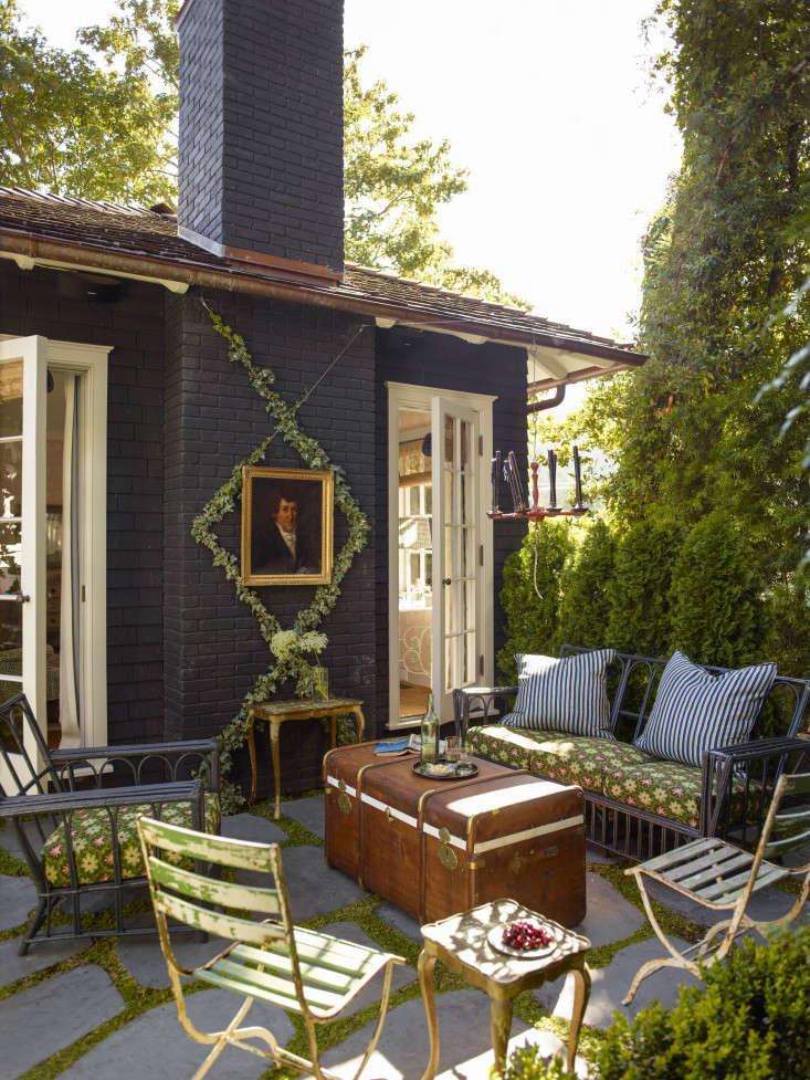 mill_valley_garden_patio_outdoor_lounge_furniture_gardenista_OT068903