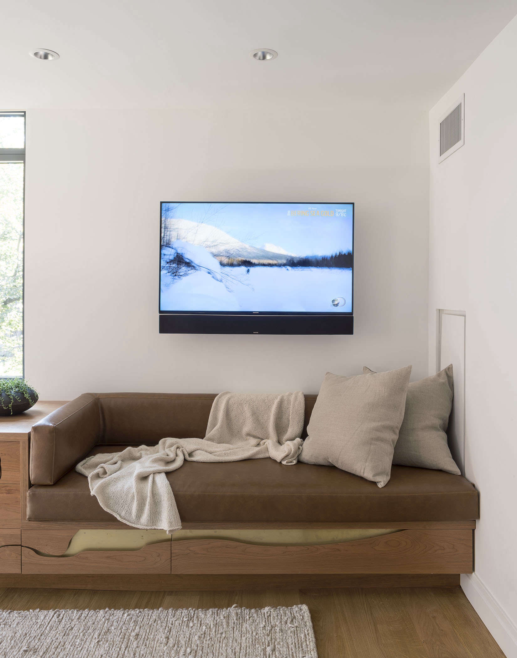 Custom built-in dog bed bench by Asher Israelow, Matthew Williams photo | Remodelista