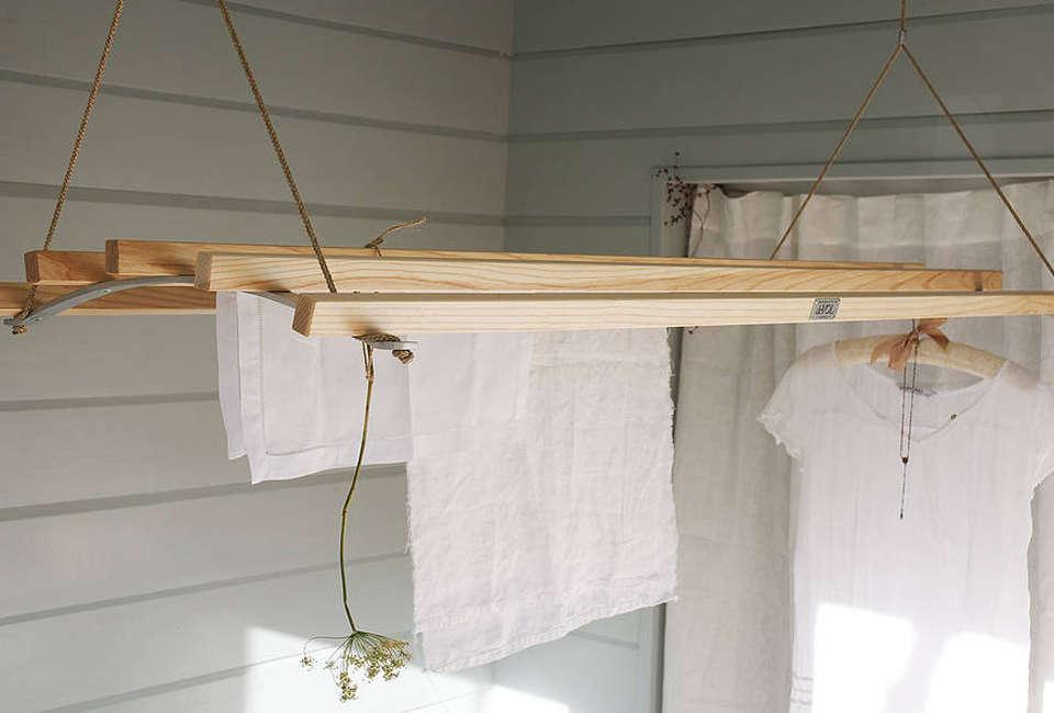 DeVOL Hanging Clothing Rack