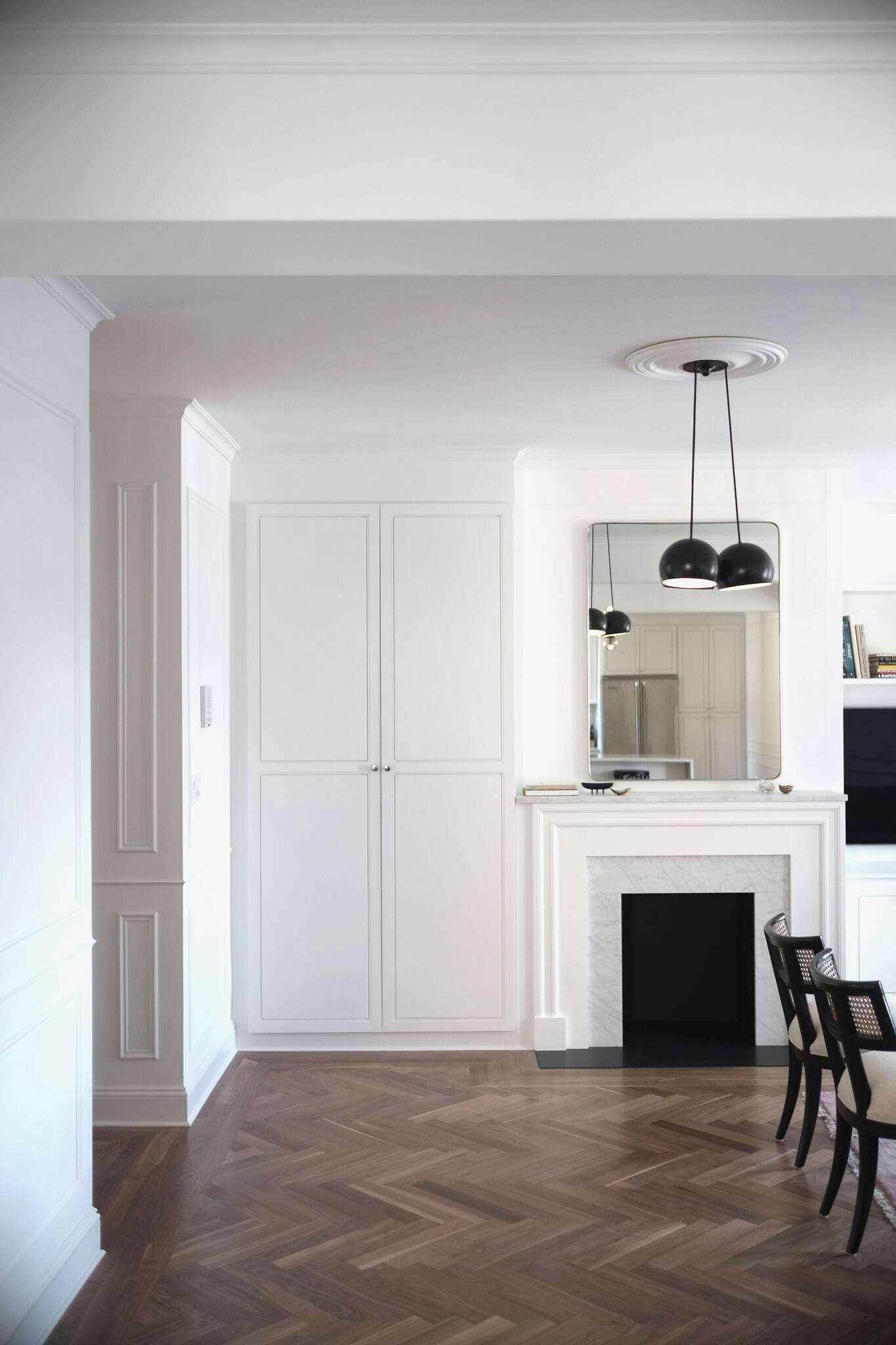 Brooklyn-heights-white-space-exploration-remodelista-17
