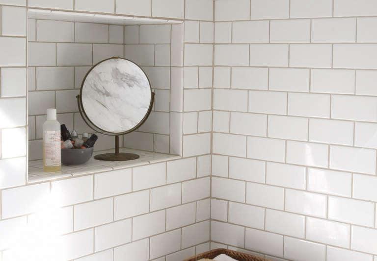 Roberto Sosa Tiled Storage Niche in Bathtub