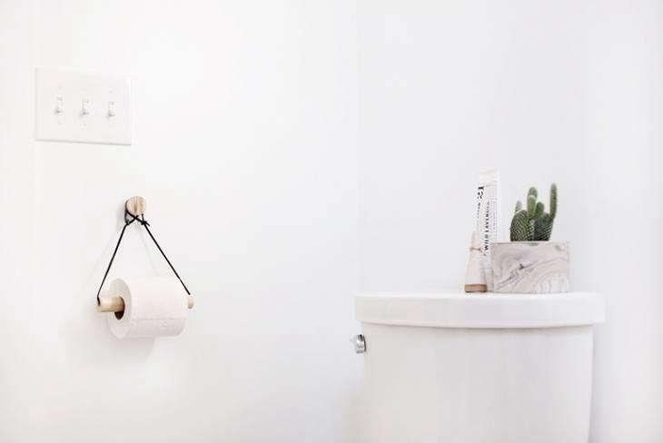 A Merry Mishap DIY Toilet Paper Holder