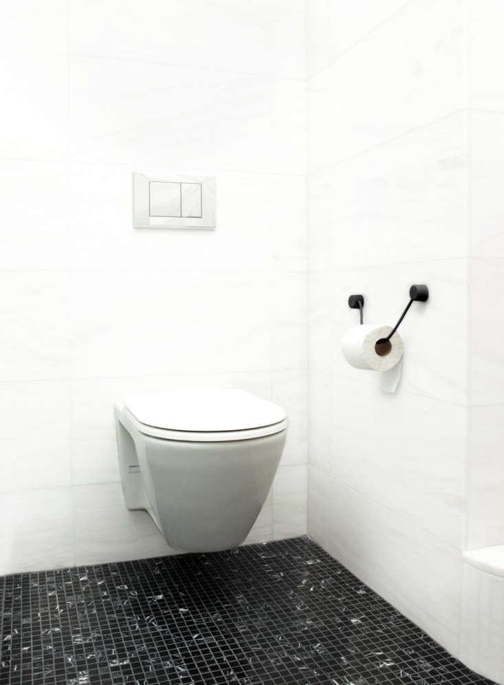 Kontextur Toilet Paper Holder in Black