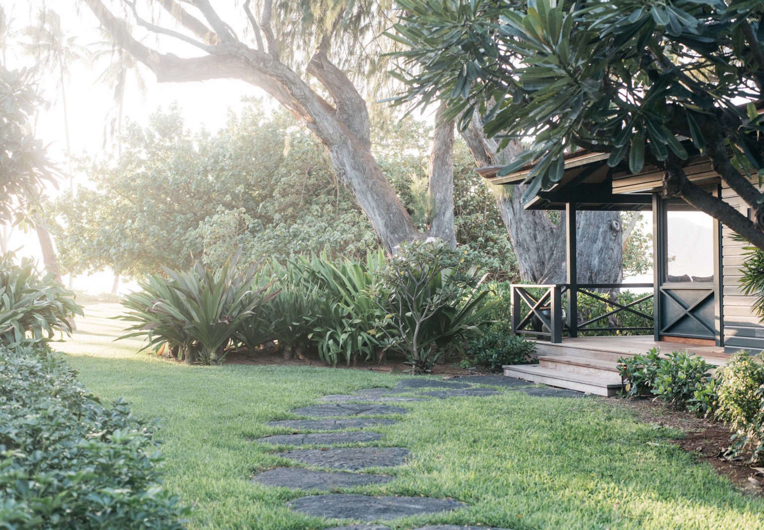 Roberto Sosa Hawaii Beach House Path