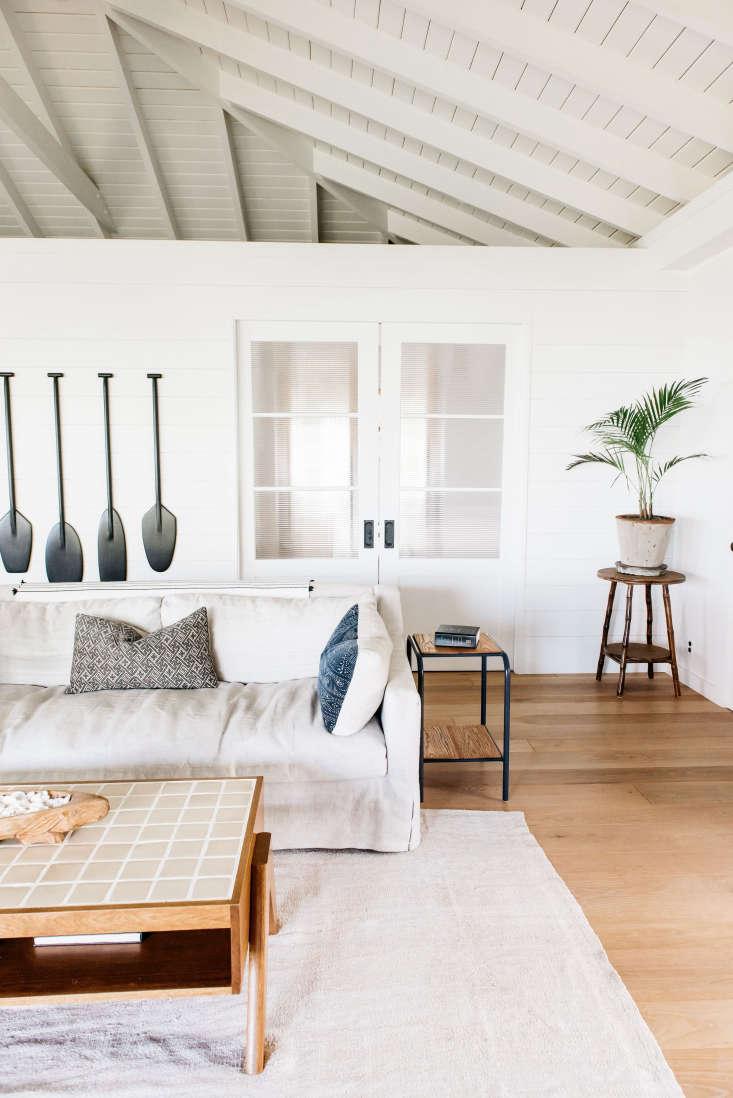 Roberto Sosa Hawaii Beach House Living Room