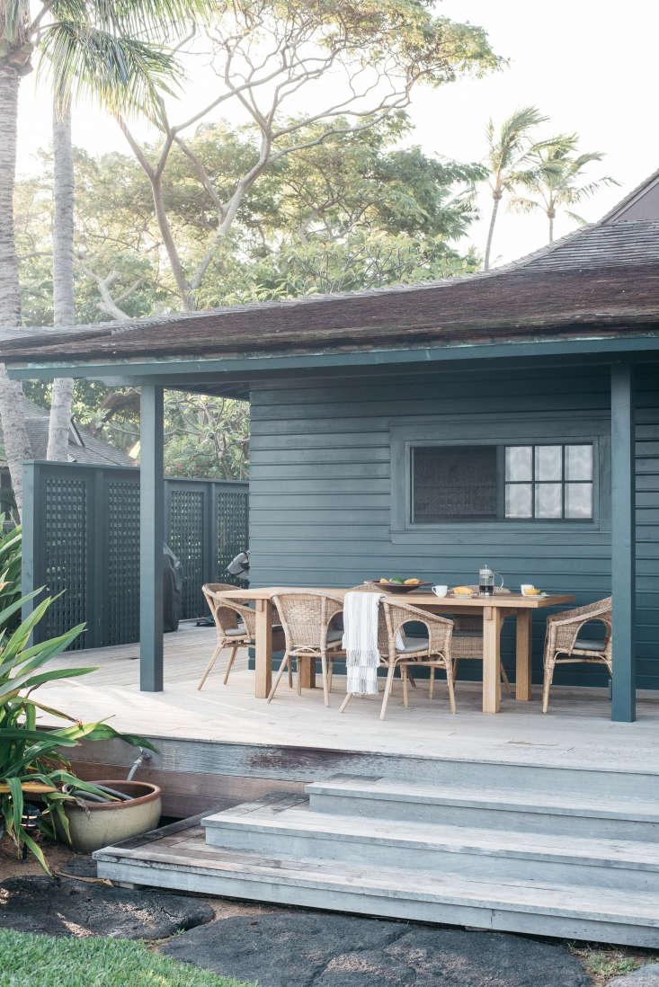 Roberto Sosa Hawaii Beach House Outdoor Porch Dining Area
