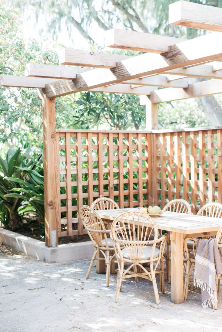 Roberto Sosa Hawaii Carriage House Dining Area