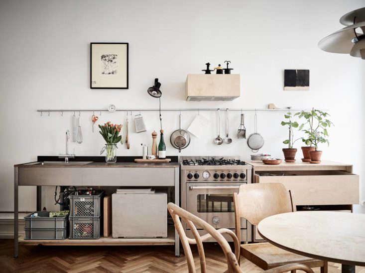 stadshem-scandinavian-kitchen-remodelista-1-733x549