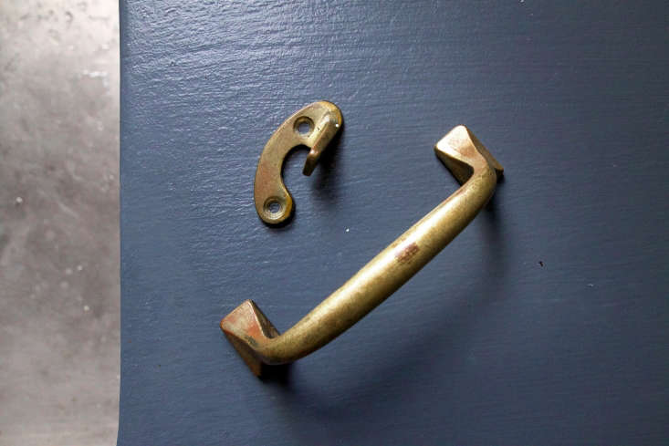 brass old lacquer