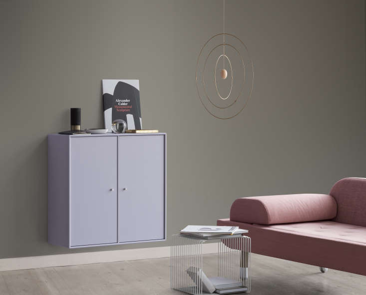 Verner Panton Wire Cube in silver from Montana of Denmark used as a coffee table