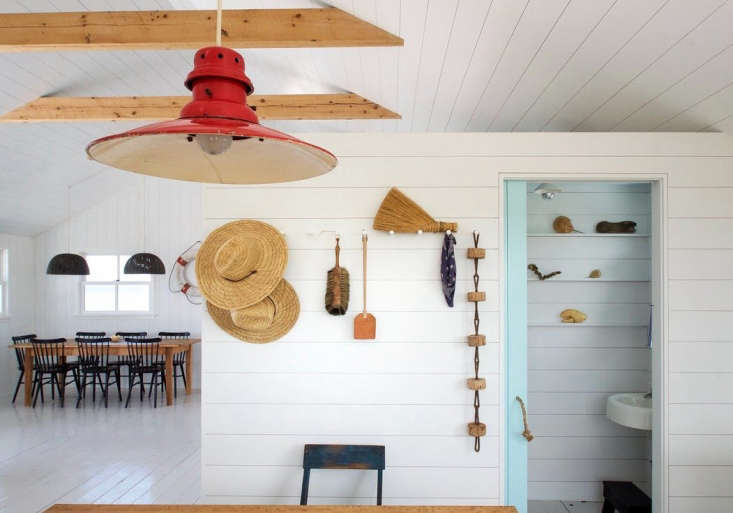 falmouth-beach-cottage-hooks