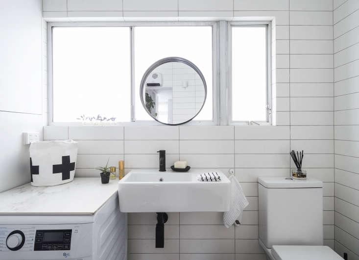 Karin Montgomery Spath New Zealand Studio Bathroom, Photo by Matthew Williams