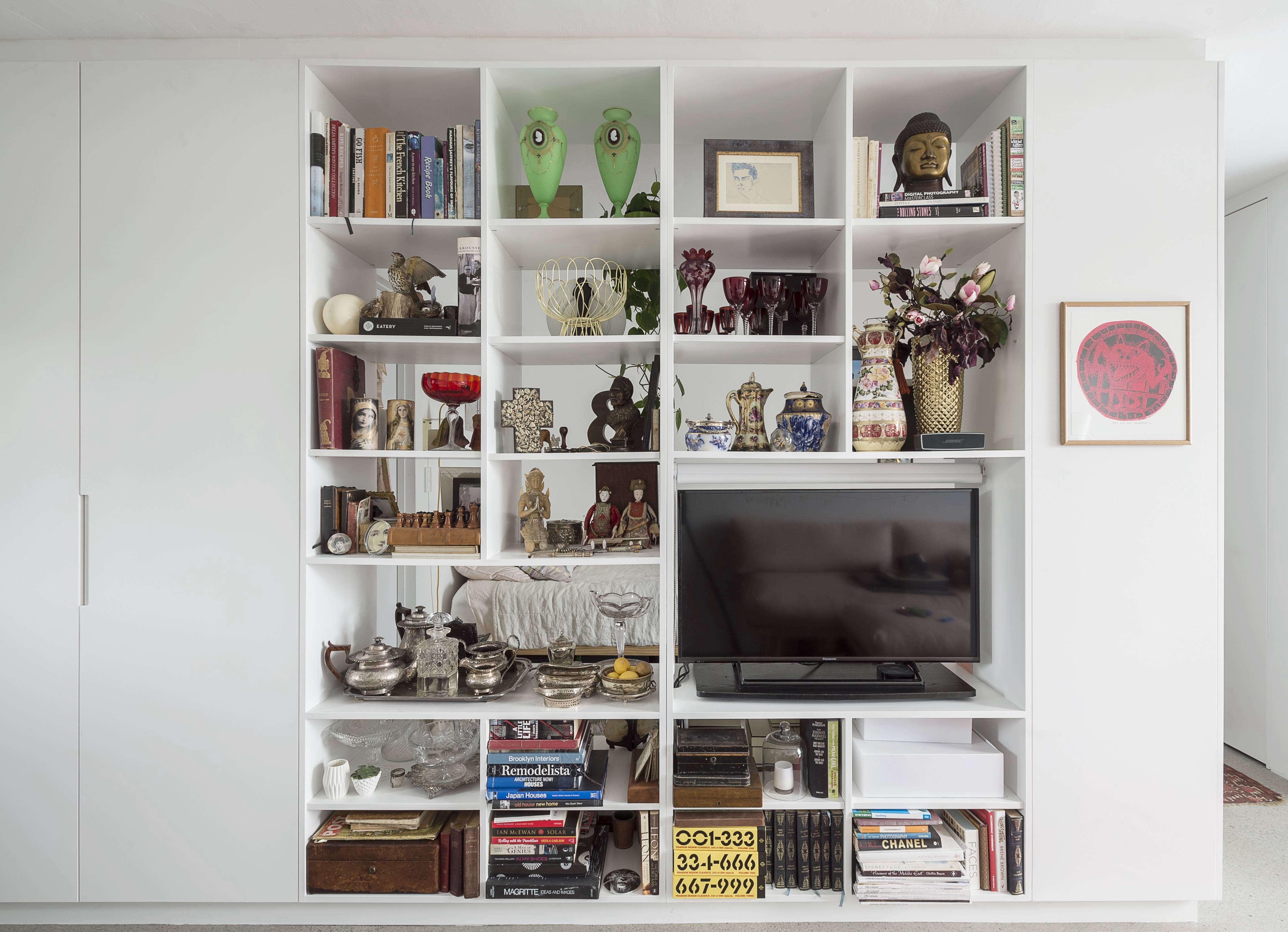 Karin Montgomery Spath New Zealand Studio Kitchen Open Shelves Divider, Photo by Matthew Williams