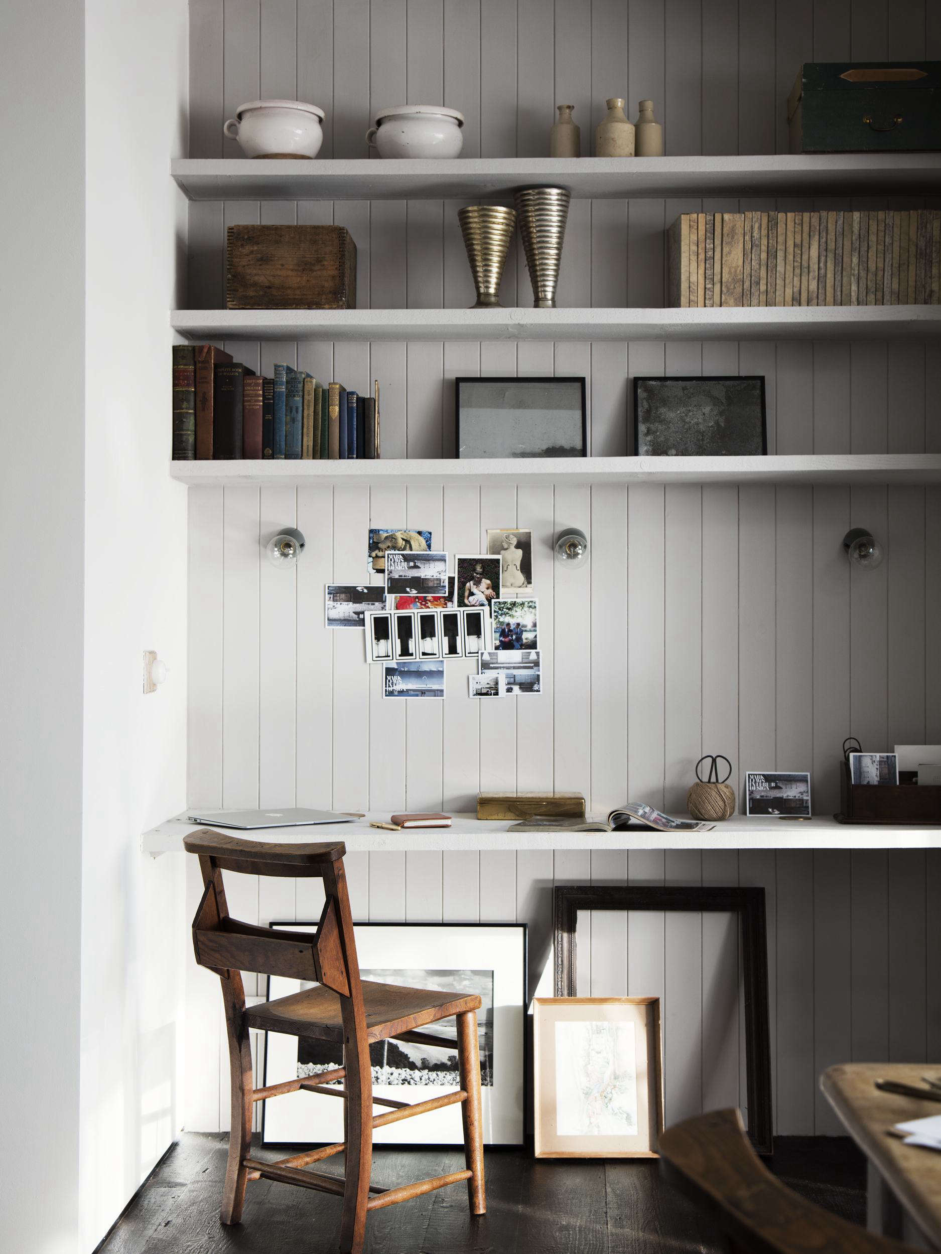 Built-in desk in London kitchen alcove designed by Mark Lewis. Rory Gardiner photo.