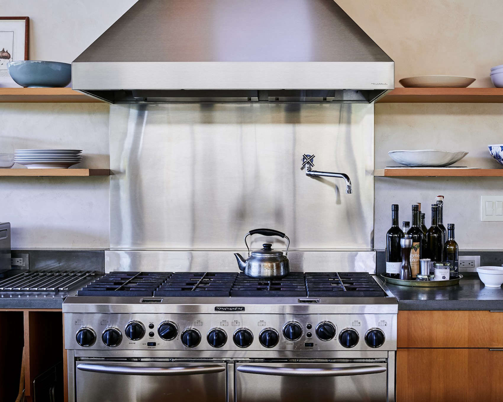 To give your stainless steel surfaces a shine, simply buff them with some olive oil, says Rapinchuk. Photograph byDaniel Dentfor Remodelista.