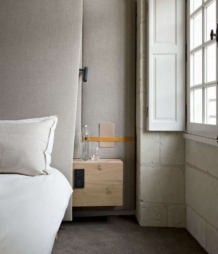 Bedtime Reading: 9 Inventive Book Storage Ideas for the Bedside - The Organized Home
