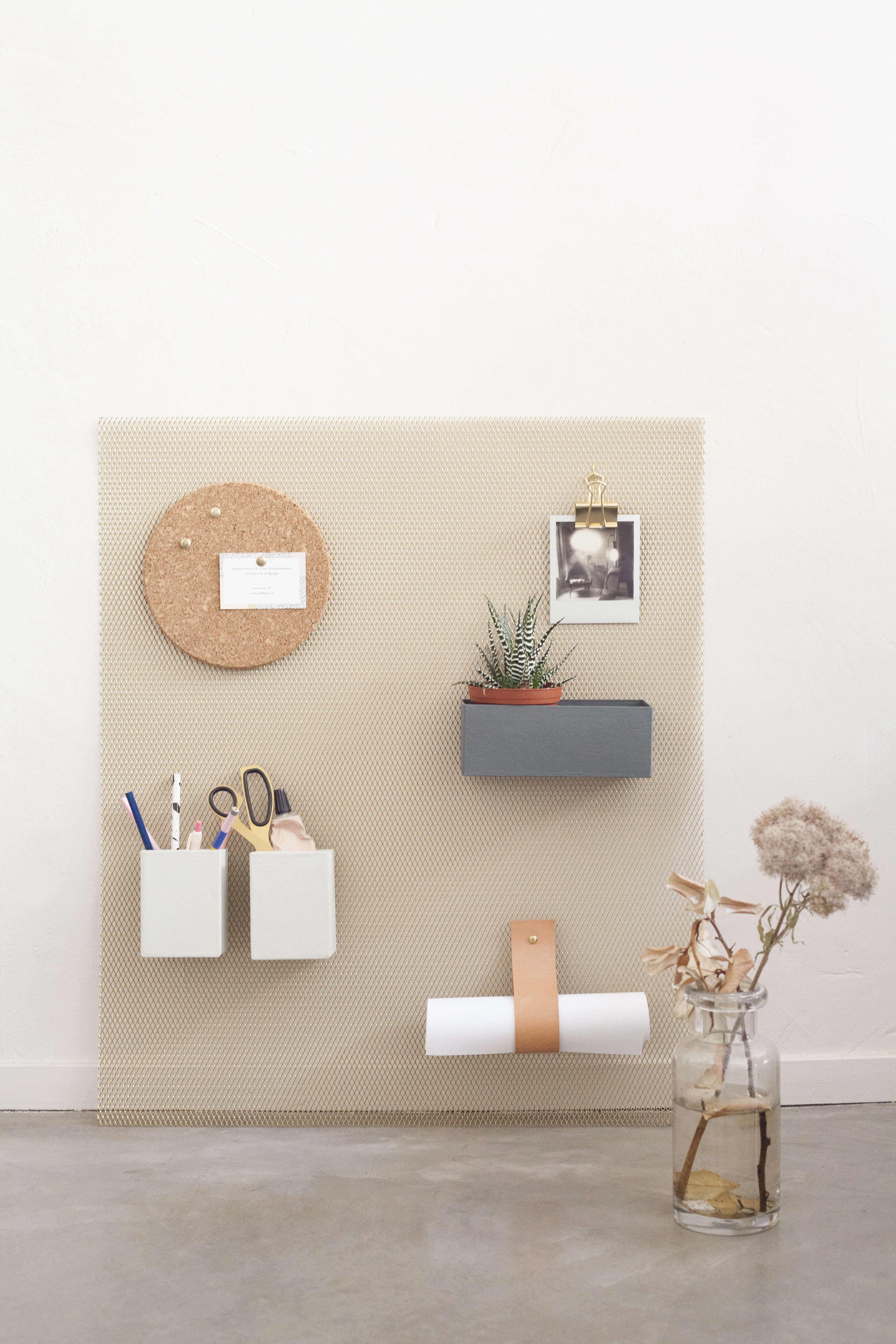 Heju's DIY metal wall organizer for the office and entry. Designed by 25-year-old Paris architects Hélène Pinaud and Julien Schwartzmann.