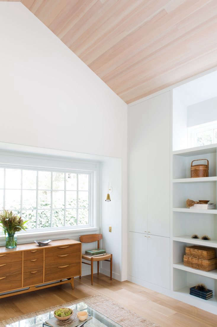 Built-Ins in Living Room in Carmel-by-the-Sea Cottage by MAP Architect