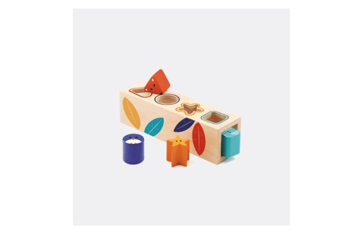 shape sorting box djeco