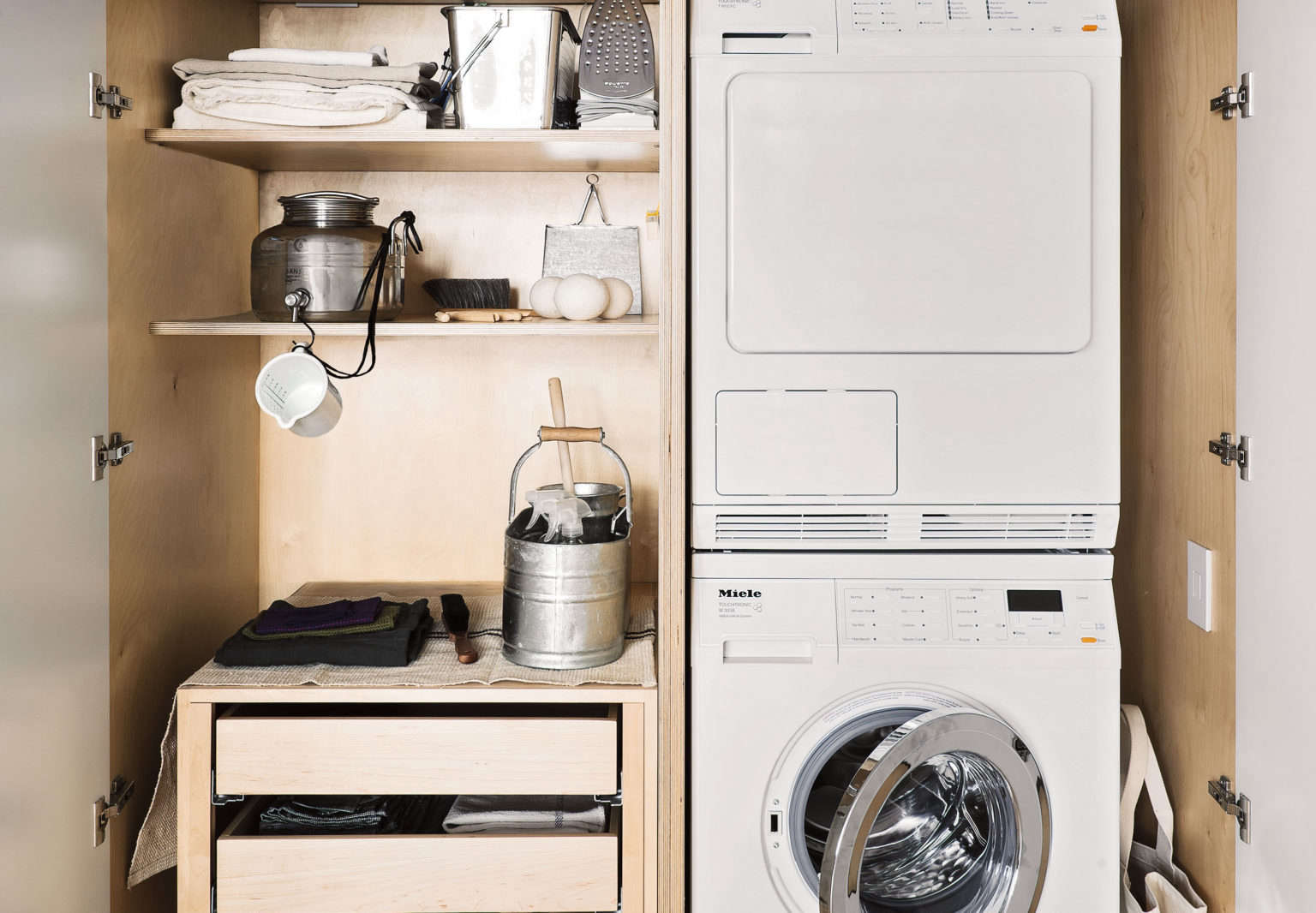Solveig Fernlund Laundry Room Photo by Matthew Williams Stying Alexa Hotz