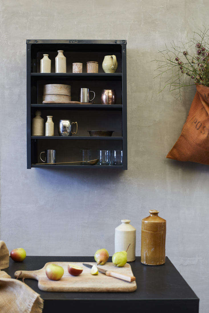 Stovold and Pogue Indian stainless-steel kitchen shelf in anthracite: middle size.