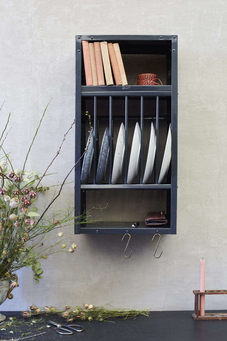 Stovold and Pogue Indian stainless steel mini kitchen rack in anthracite.