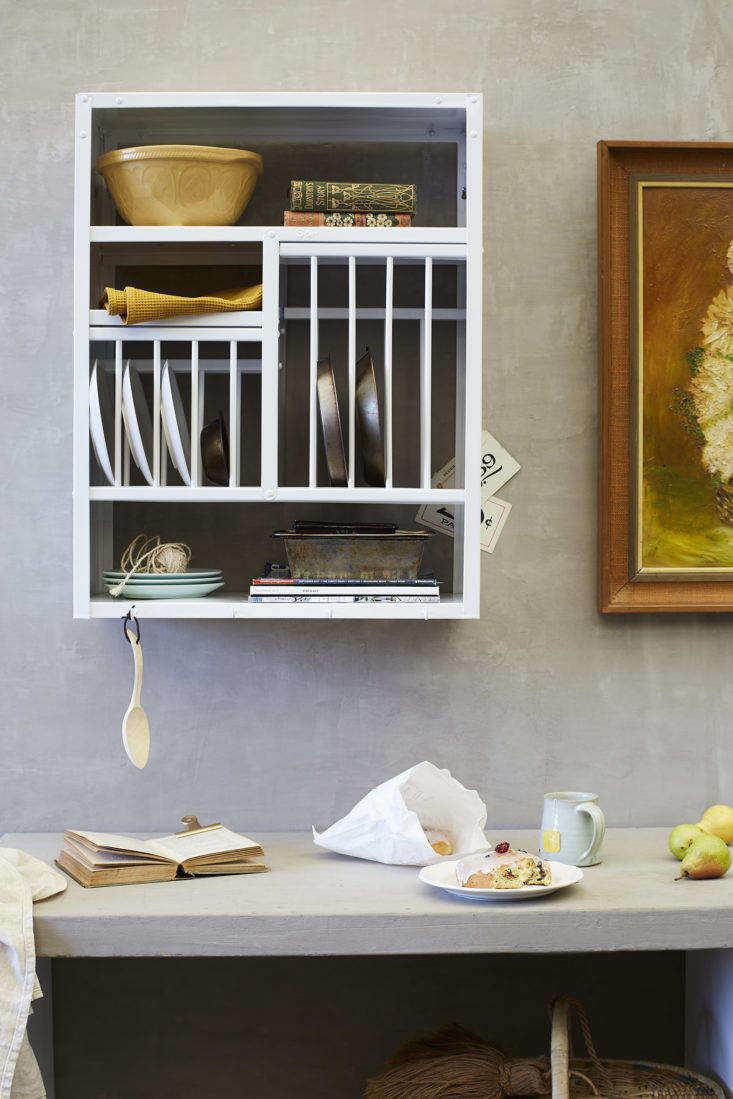Stovold & Pogue Indian stainless steel kitchen rack in white, middle size.
