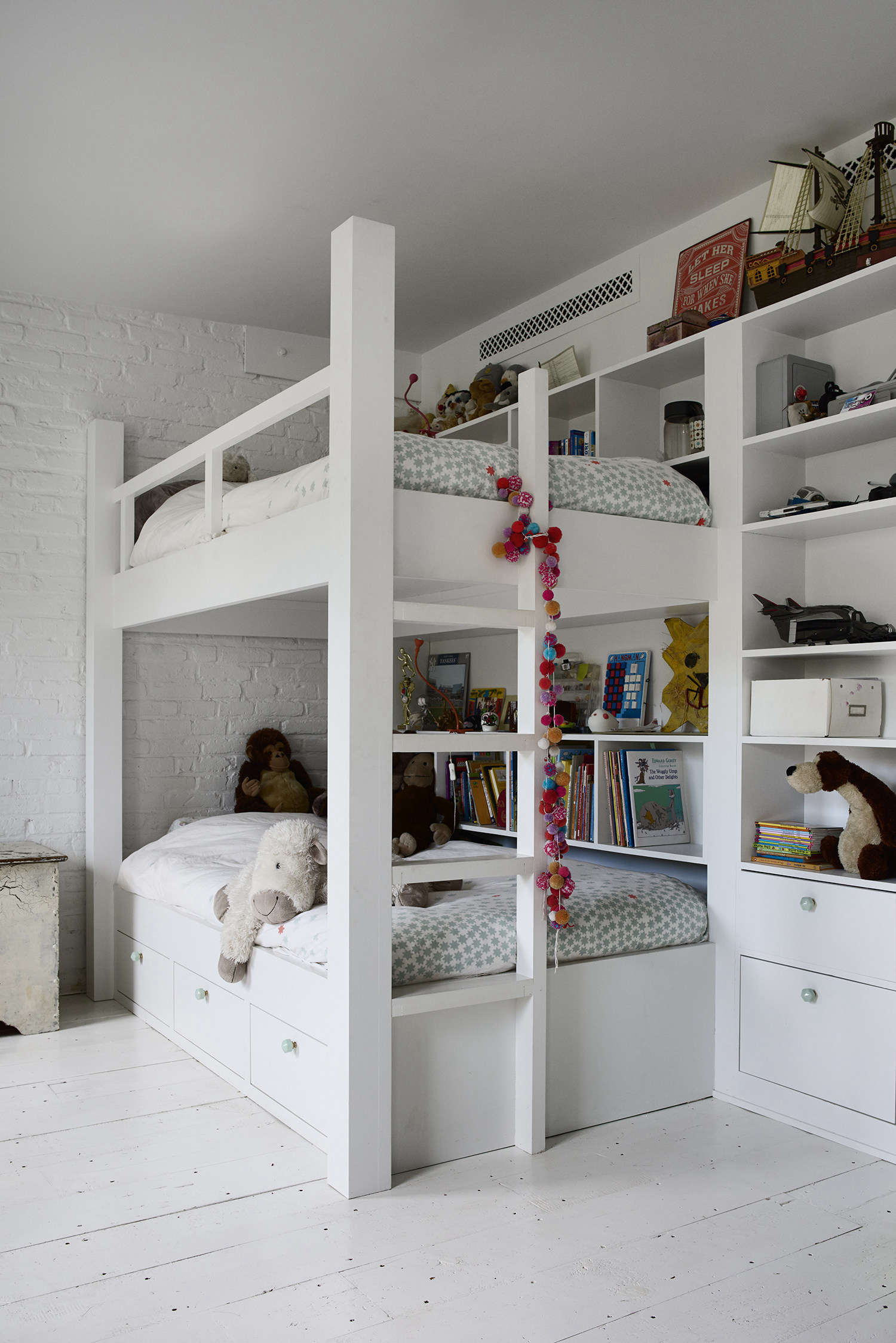 Archive Dive Our 13 Favorite Built In Bunk Beds The Organized Home