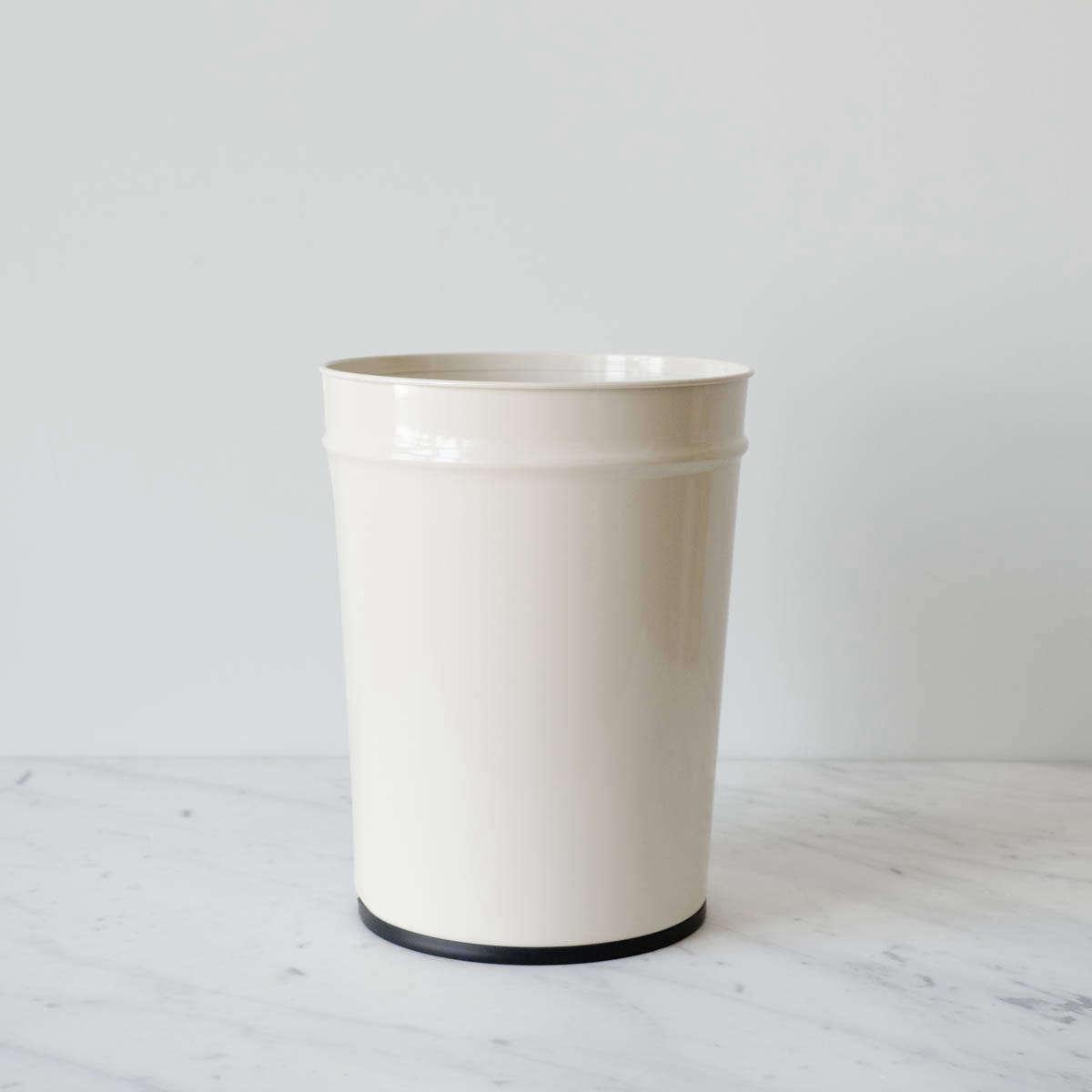 Bunbuku of Japan wastebasket from Mur Lifestyle.