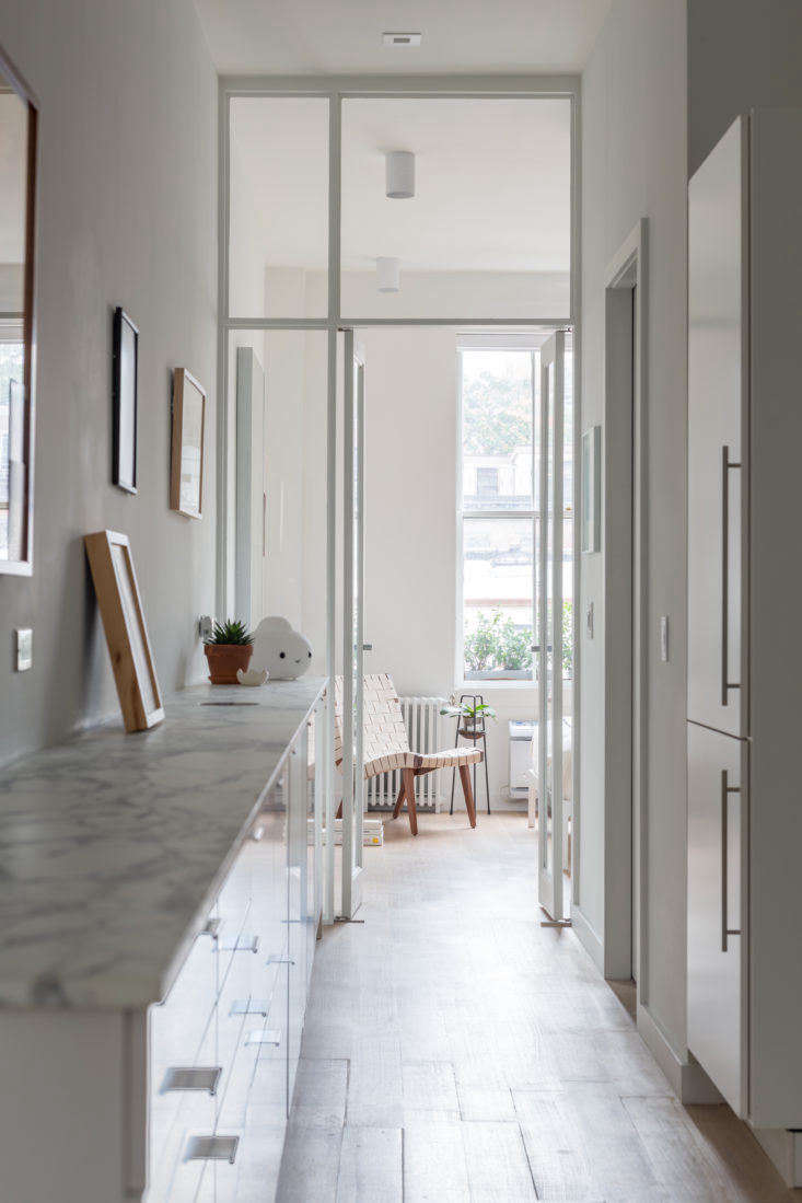Hallway in Chelsea Apartment by BoND, Photo by Eric Petschek