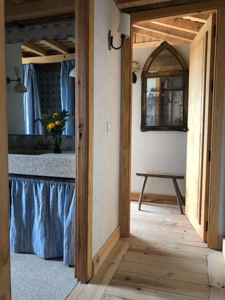 Bathroom and hall at Las Encinas, a rental house at Casa del Naval, Spain.