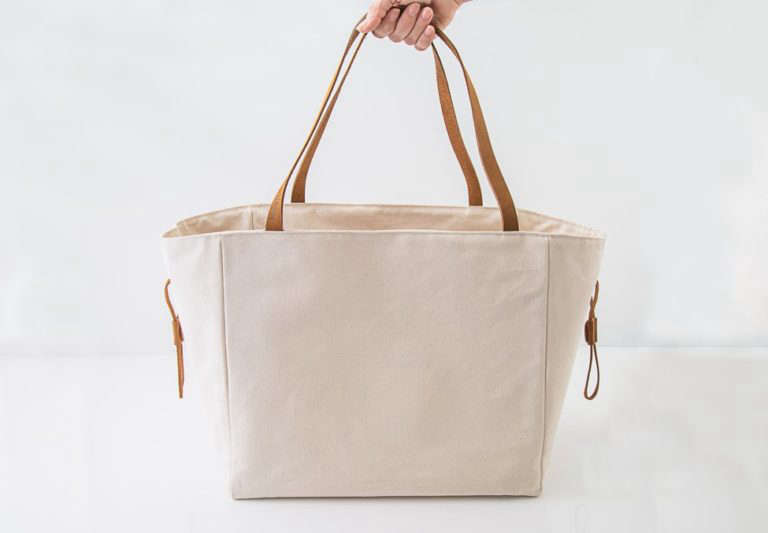 Multipurpose Picnic Totes With An Insulated Layer By Millie Lottie